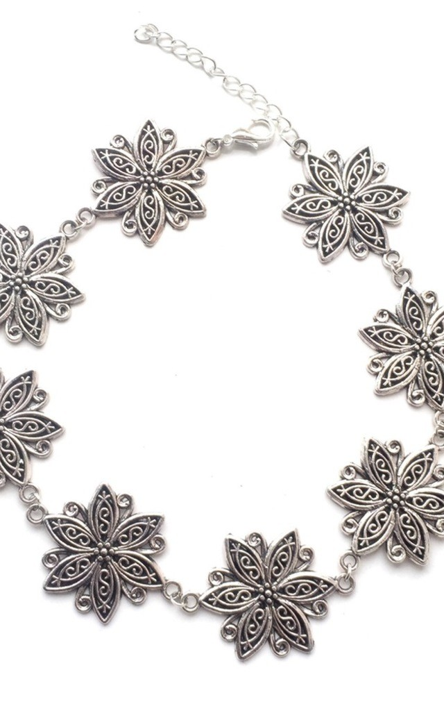 Silver daisy choker by MoonChild
