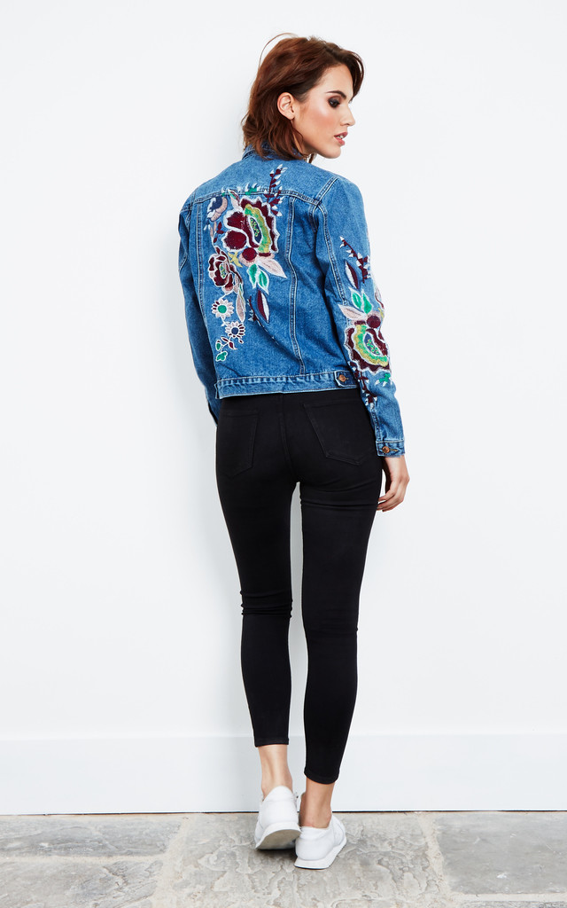 BLUE EMBROIDERED DENIM JACKET by Glamorous