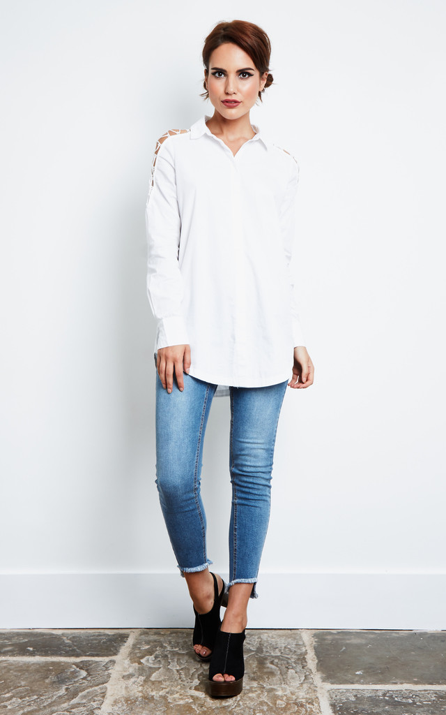WHITE LACE UP SHOULDER DETAIL SHIRT by Noisy May