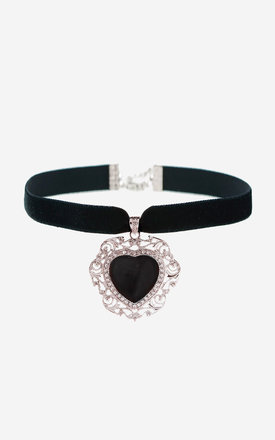 NAAMA Black Agate Heart Choker by Rock N Rose