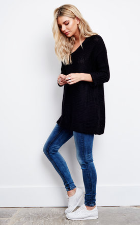 V-neck long sleeve black jumper by Noisy May