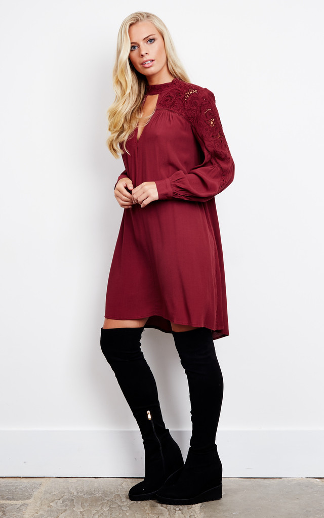 Wine Key Hole Shift Dress With Lace Detail by ASTR