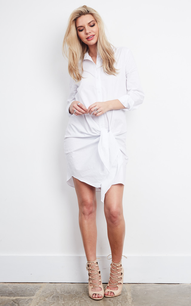 WHITE FRESH START SHIRT WITH LONG SLEEVE KNOT SHIRT DRESS by Parallel Lines