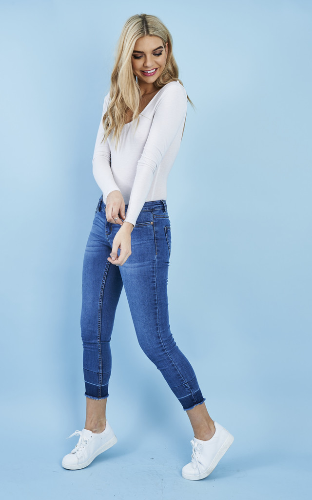 SUPER SLIM ANKLE JEANS by Noisy May