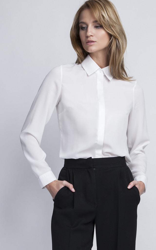 White crepe shirt by Lanti