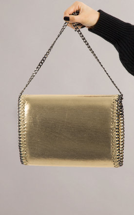 Alison Chain Detailed Glitter Clutch In Gold by KoKo Couture