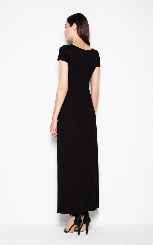 Black Fitting long-sleeved dress with long pleats by Venaton