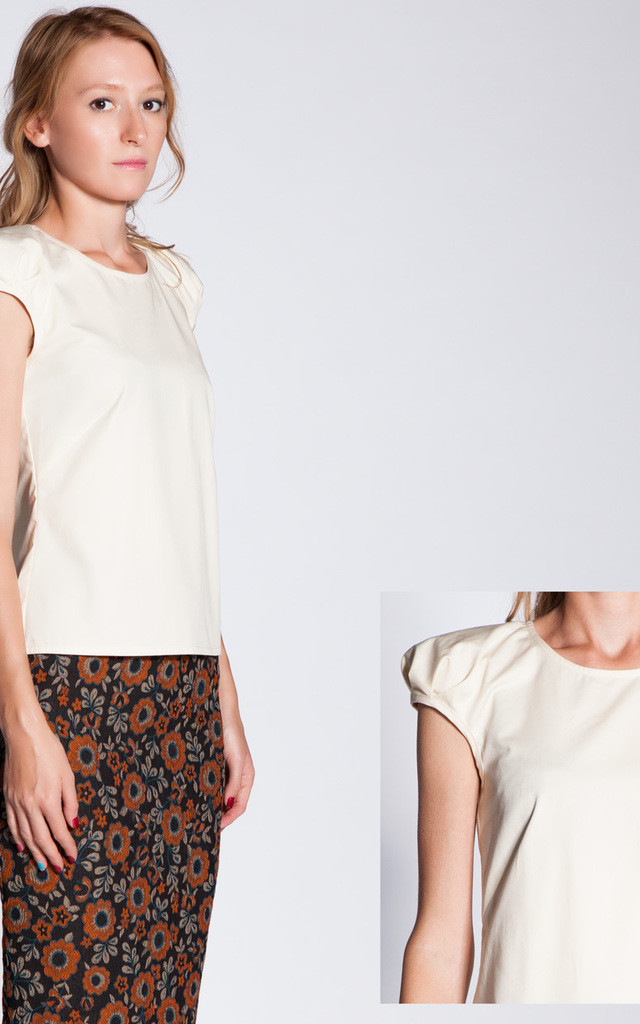 Puff Sleeve Cropped Top by ARAMINTI