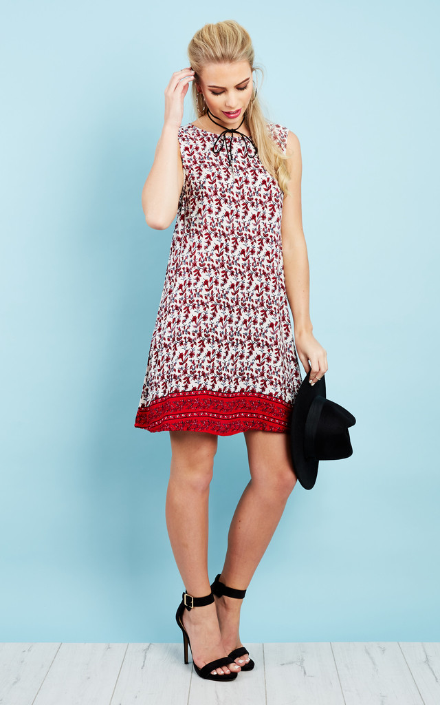 RED FLORAL AND BORDER TIE BACK DRESS by Glamorous
