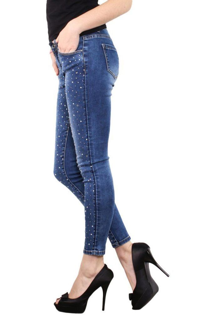 Jewels & Pearls Encrusted Skinny Jeans by Jezzelle