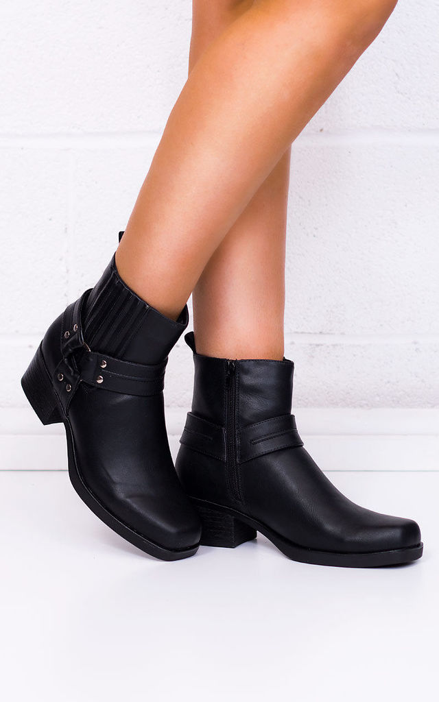 SPIDER Cowboy Western Block Heel Ankle Boots Shoes - Black Leather Style by SpyLoveBuy
