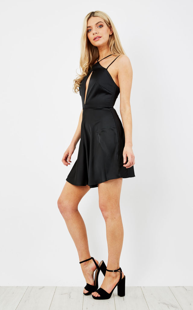 BLACK CUT OUT FRONT STRAPPY SLEEVELESS DRESS by Glamorous