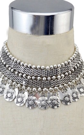 Silver statement disc droplet choker by Lovelock jewels