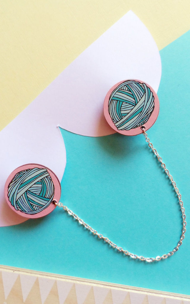 Yarn Ball Wooden Collar Clips by House Of Wonderland