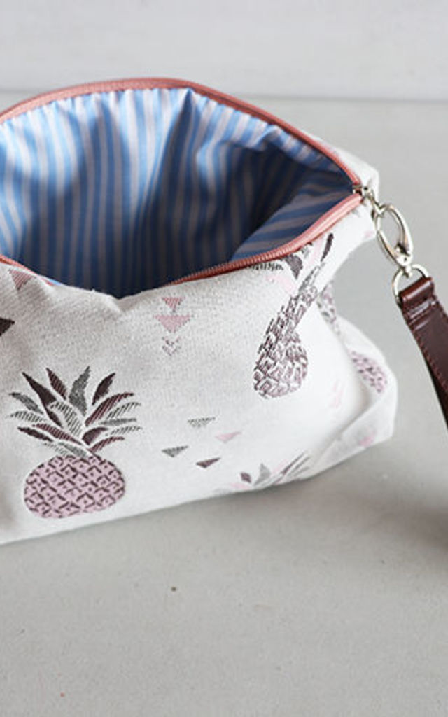 PINK PINEAPPLE CANVAS by THE CODE HANDBAGS