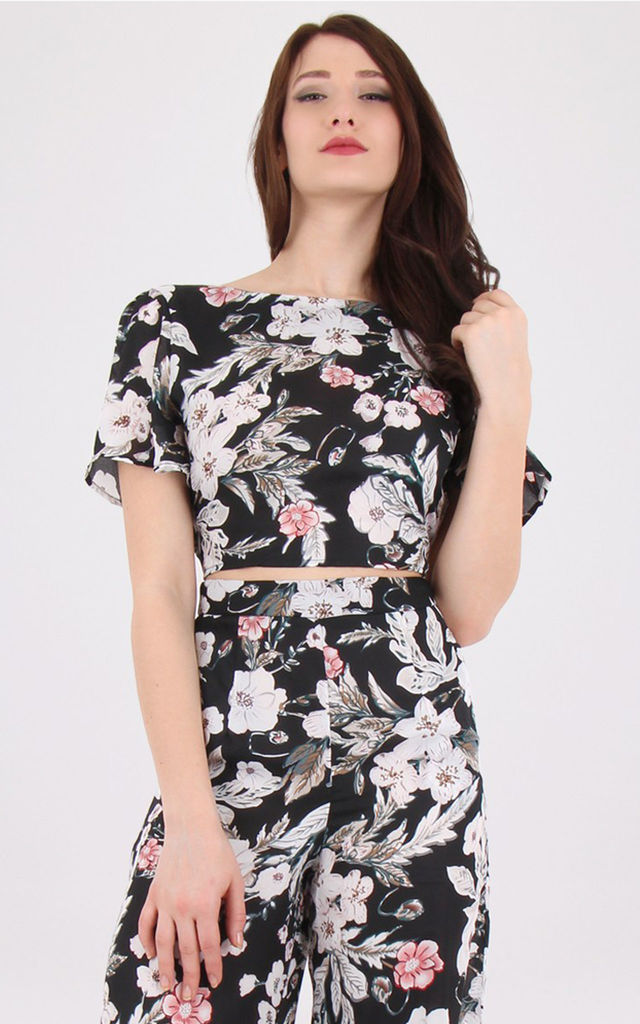 Crew Necked Open Back Short Sleeves Floral Print Crop Top Black by MISSTRUTH