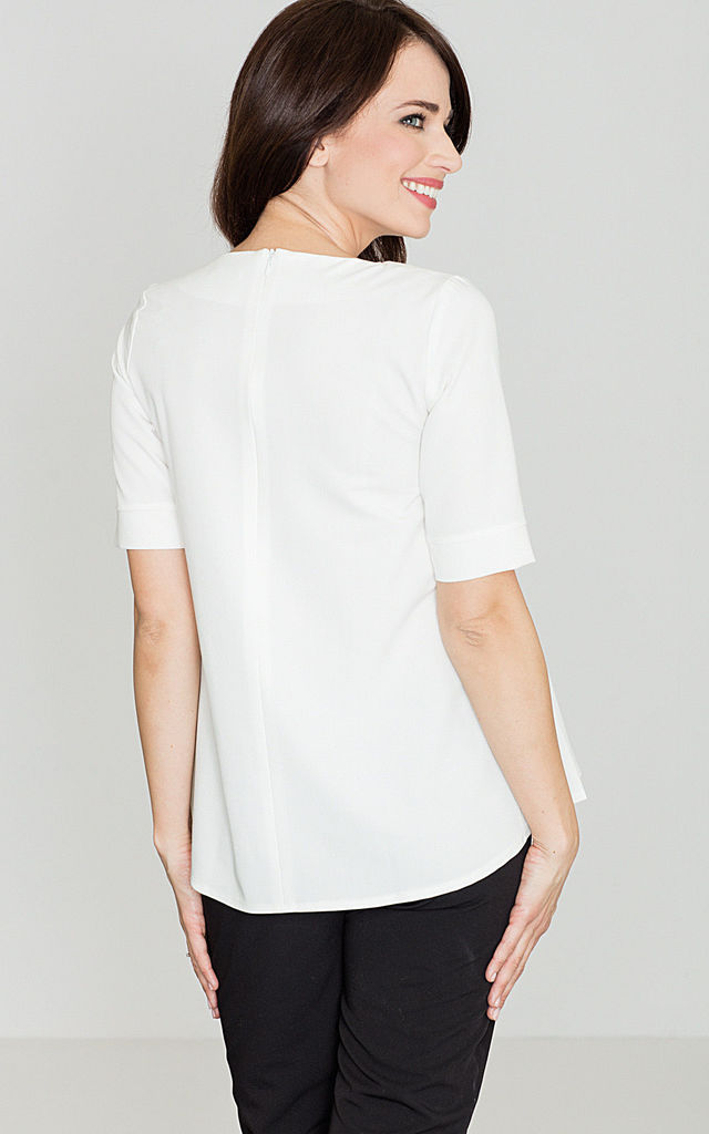 Scoop neck top in white by LENITIF