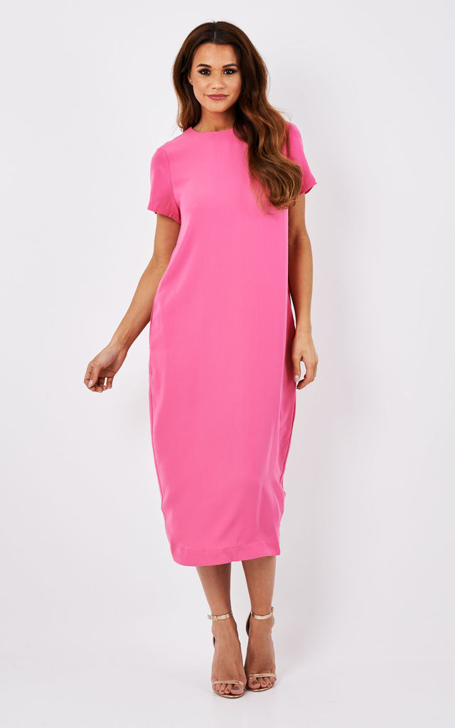 midi t-shirt dress with back vent in pink by Paisie