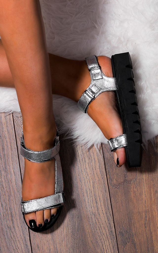 KERSHA Flip Flop Flat Strappy Sandals Shoes - Silver Leather Style by SpyLoveBuy