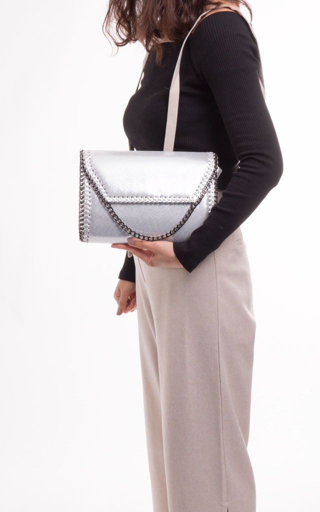 Alison Chain Detailed Glitter Clutch In Silver by KoKo Couture