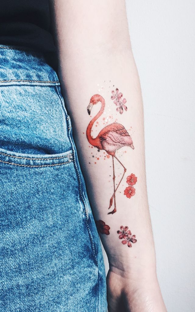 flamingo temporary tattoo silkfred. Black Bedroom Furniture Sets. Home Design Ideas