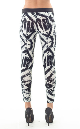 Silky Print Leggings in Black/White by Conquista Fashion