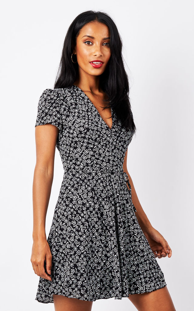 Short Sleeve black floral V Neck Dress by Glamorous