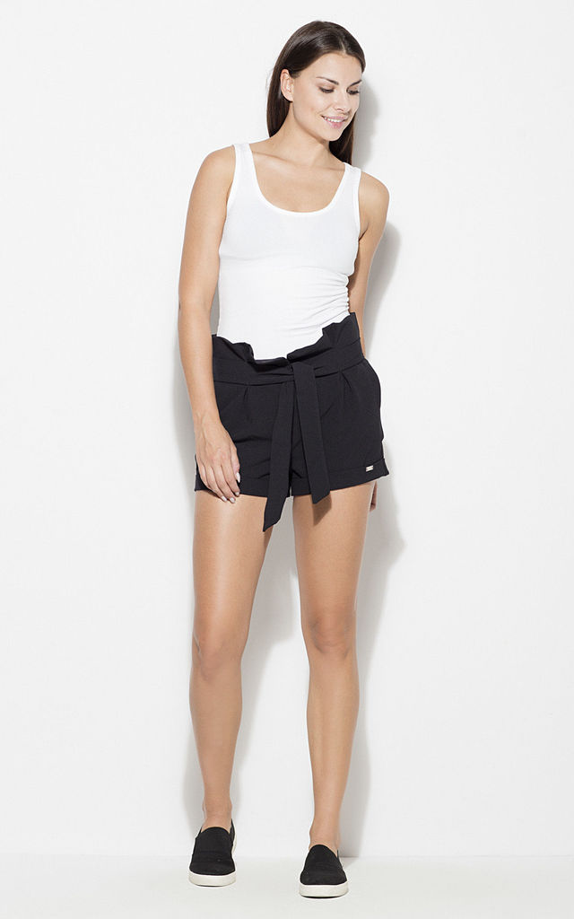 Black High Waist Shorts with Belt by KATRUS