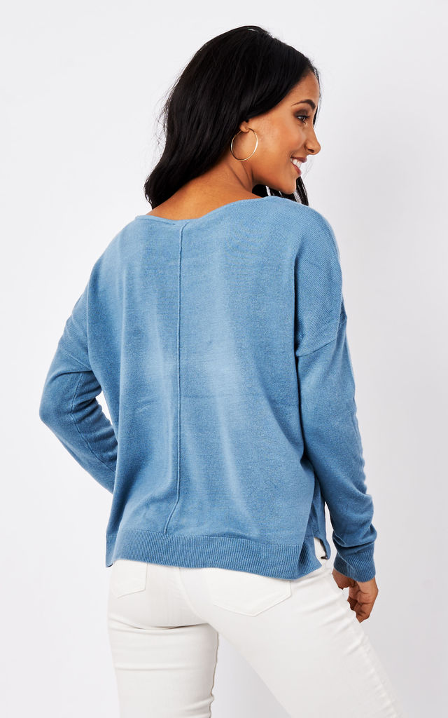 Blue stone Sleeved Boatneck Knit by Noisy May