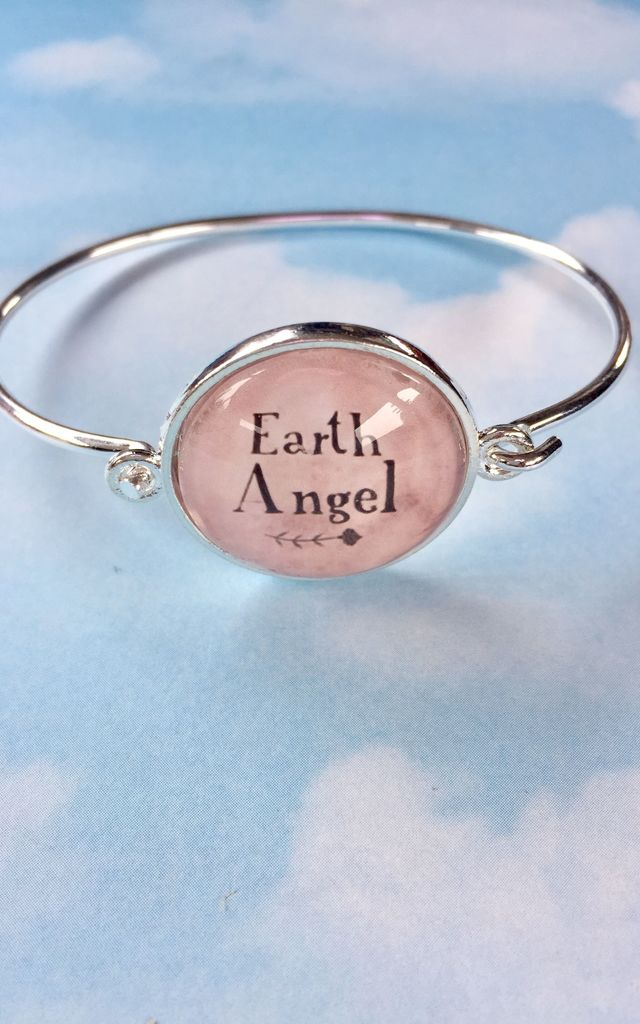 """Earth Angel"" slogan circular bangle bracelet in silver and pink by Soul Warriors"