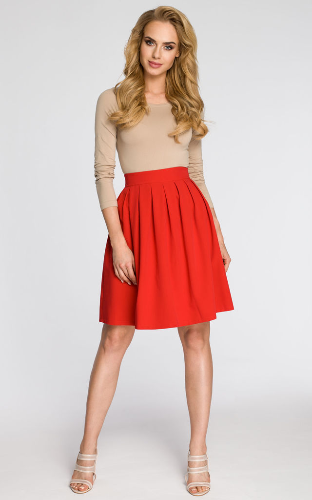 Red classic knee-length pleated skirt with high waist by MOE