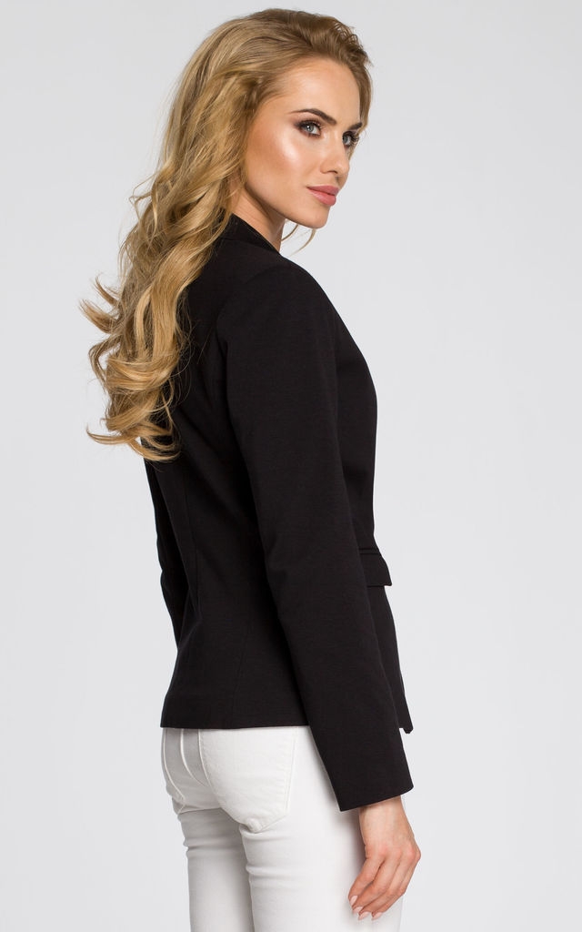 Black casual and classic style one button jacket by MOE