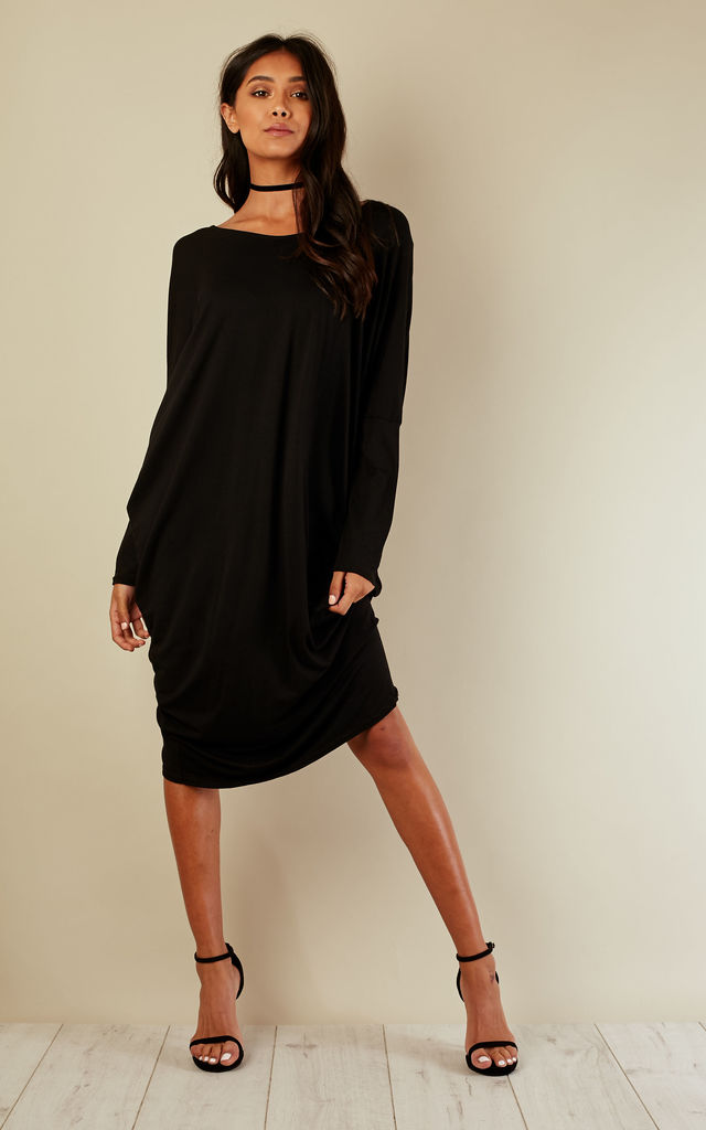 Black Scoop Neck Batwing Dress by Bella and Blue
