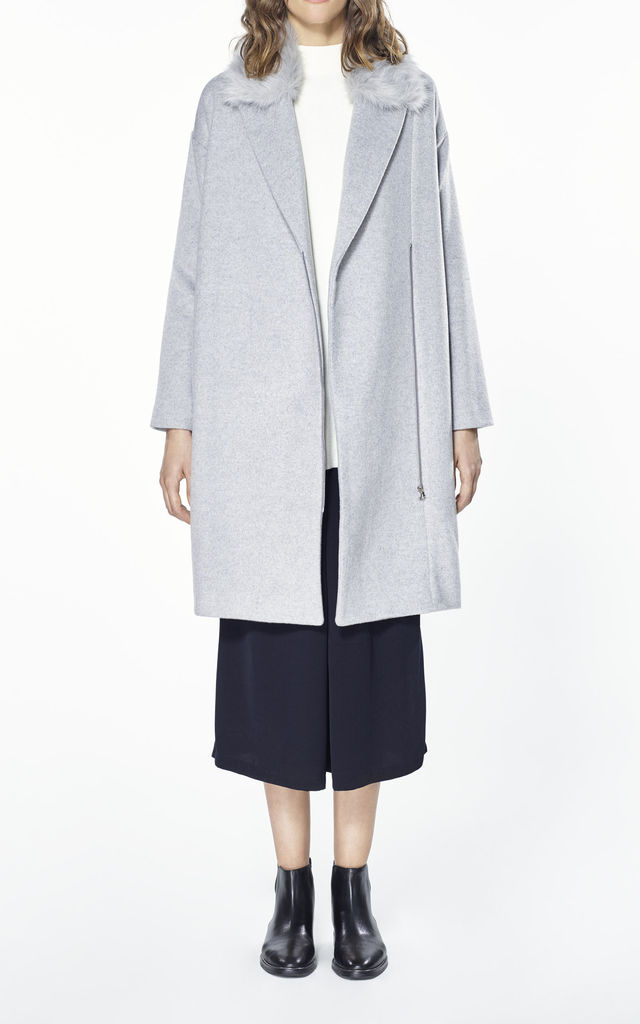 Wool blend coat with faux fur collar by Paisie