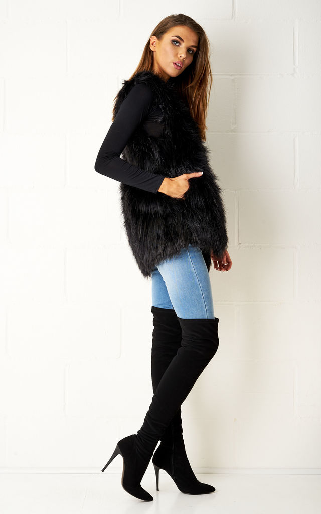 Graycie Black Faux Fur Gilet by Frontrow Limited