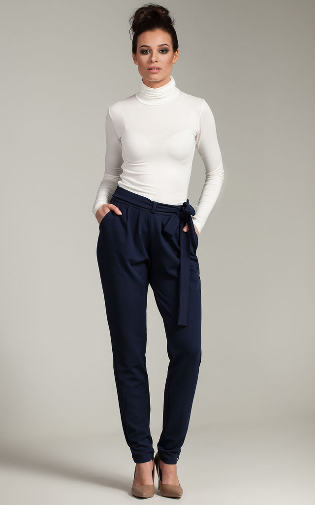 Navy blue chino pants with side pockets by MOE