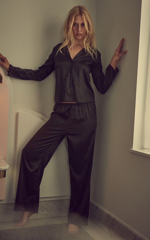 ALICIA BLACK SATIN AND LACE PYJAMA SET by Wolf & Whistle