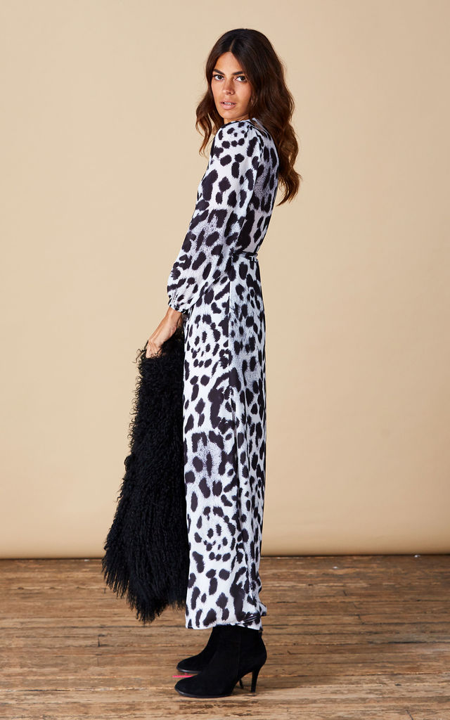 JAGGER MAXI IN SNOW LEOPARD image