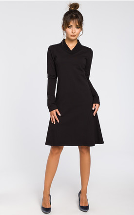 Black comfy dress with ribbed trim finishings by MOE