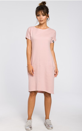 Powder ribbed knit dress with front pockets by MOE
