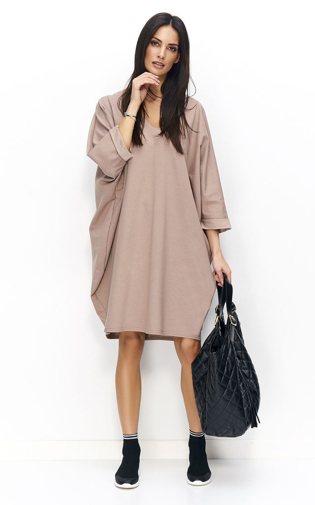 Beige loose V neck midi dress by Makadamia