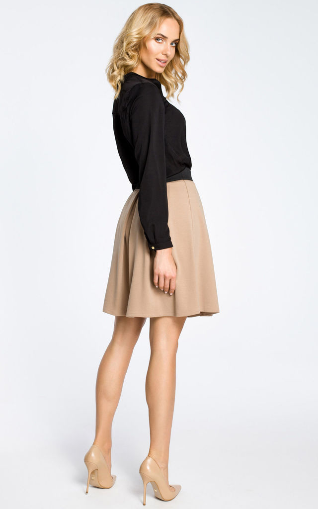 Cappuccino Pleated Mini Skirt with Elastic Waistband by MOE
