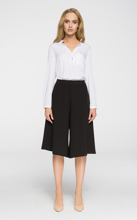 Black culottes knee-length trousers by MOE