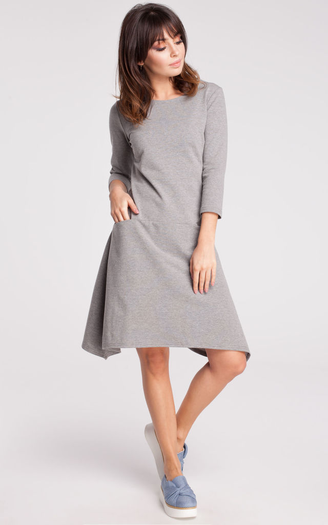 Grey dress with soft sweat knit, loose-fitting cut and in-seam pockets by MOE