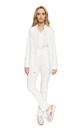 Mimimal blazer in white by MOE