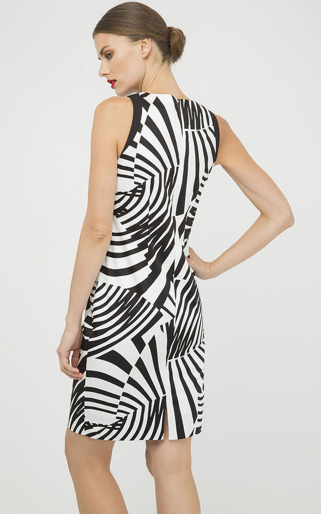 Fitted Sleeveless Print Dress by Conquista Fashion