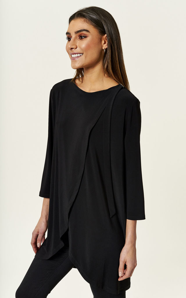 Black wrap top with D ring by Bella and Blue