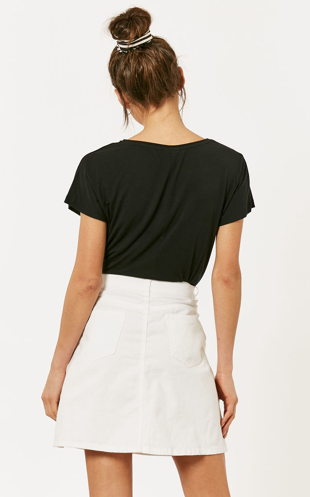 Bright White Denim Button Front Skirt by Noisy May