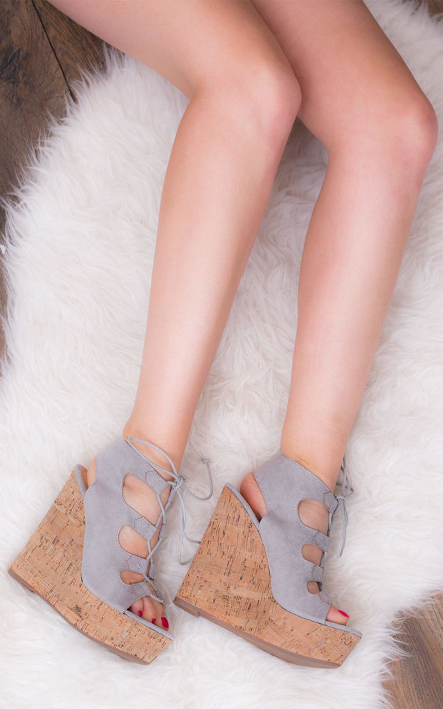 STRIKING Platform Wedge Heel Sandals Shoes - Grey Suede Style by SpyLoveBuy