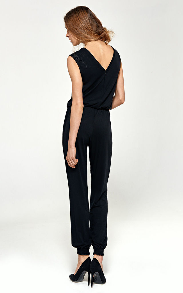 Jumpsuit with v-neck - black by so.Nife